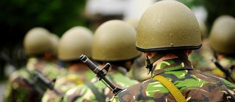 Les armées recruteront plus de 25 000 jeunes en 2017