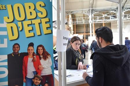D crochez votre job d t le 13 mars trouver un job d for Salon paris pour l emploi 2017